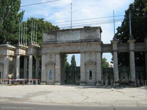 2008 08 06-10 (Cernauti - Hotin - Chisinau) 325 [1600x1200]