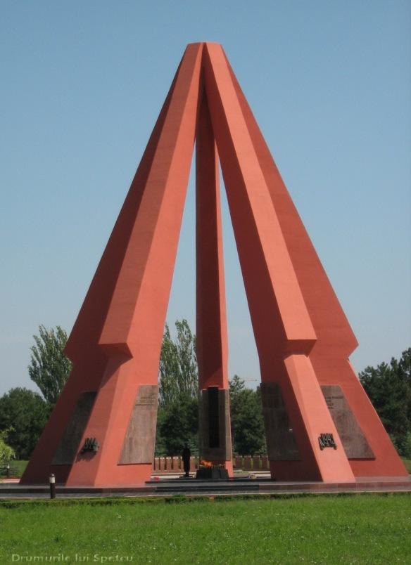 2008 08 06-10 (Cernauti - Hotin - Chisinau) 368 [1600x1200]