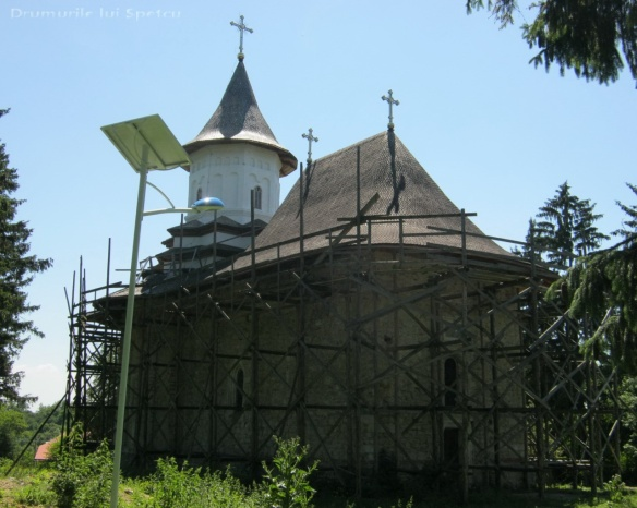 2013-06-16-botesti-horodniceni-rotopanesti-mihaiesti-pocoleni-066-rezolutia-desktop-ului